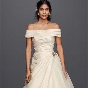 NWT! JEWEL Wedding Dress !